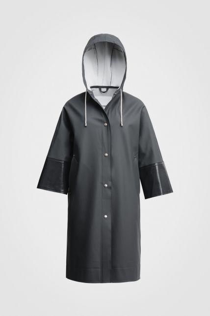 Stutterheim---Raincoat-for-men-and-women---Tre-Liljor---Charcoal-Opal-